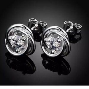 ❤️gorgeous silver zircon stud earrings